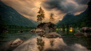 Beautiful Lake Desktop Wallpaper